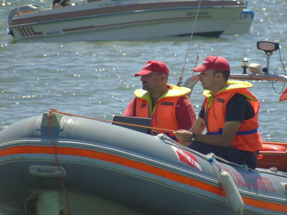 Vários serviços náuticos de assistência e apoio